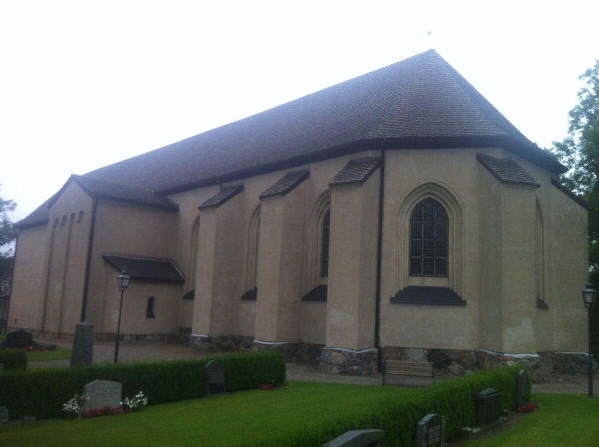 Askeby kyrka-bild-1