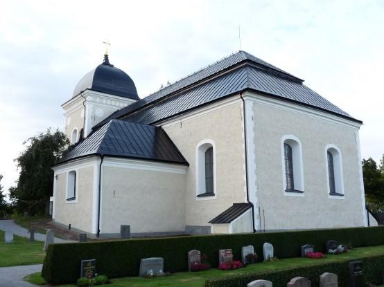 Kimstad Kyrka-P1030881-554x415
