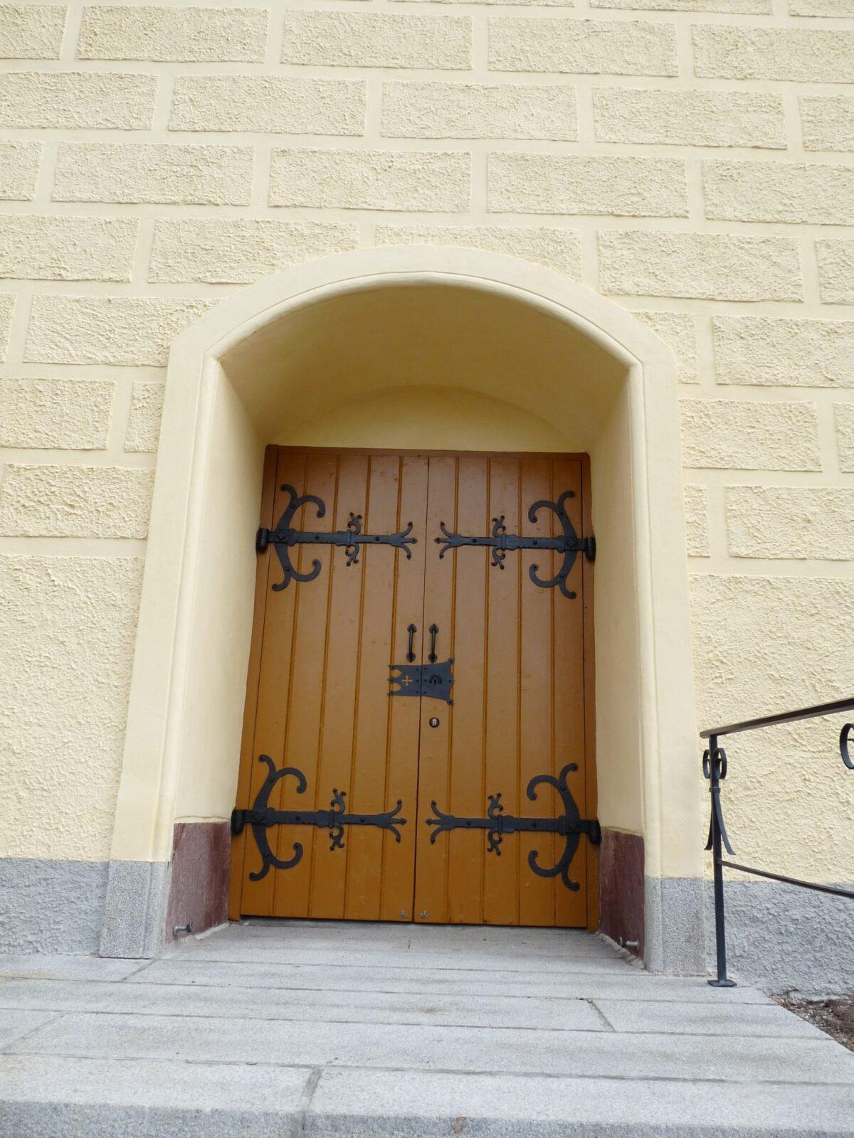 Turinge kyrka-P1030244-e1349803677599