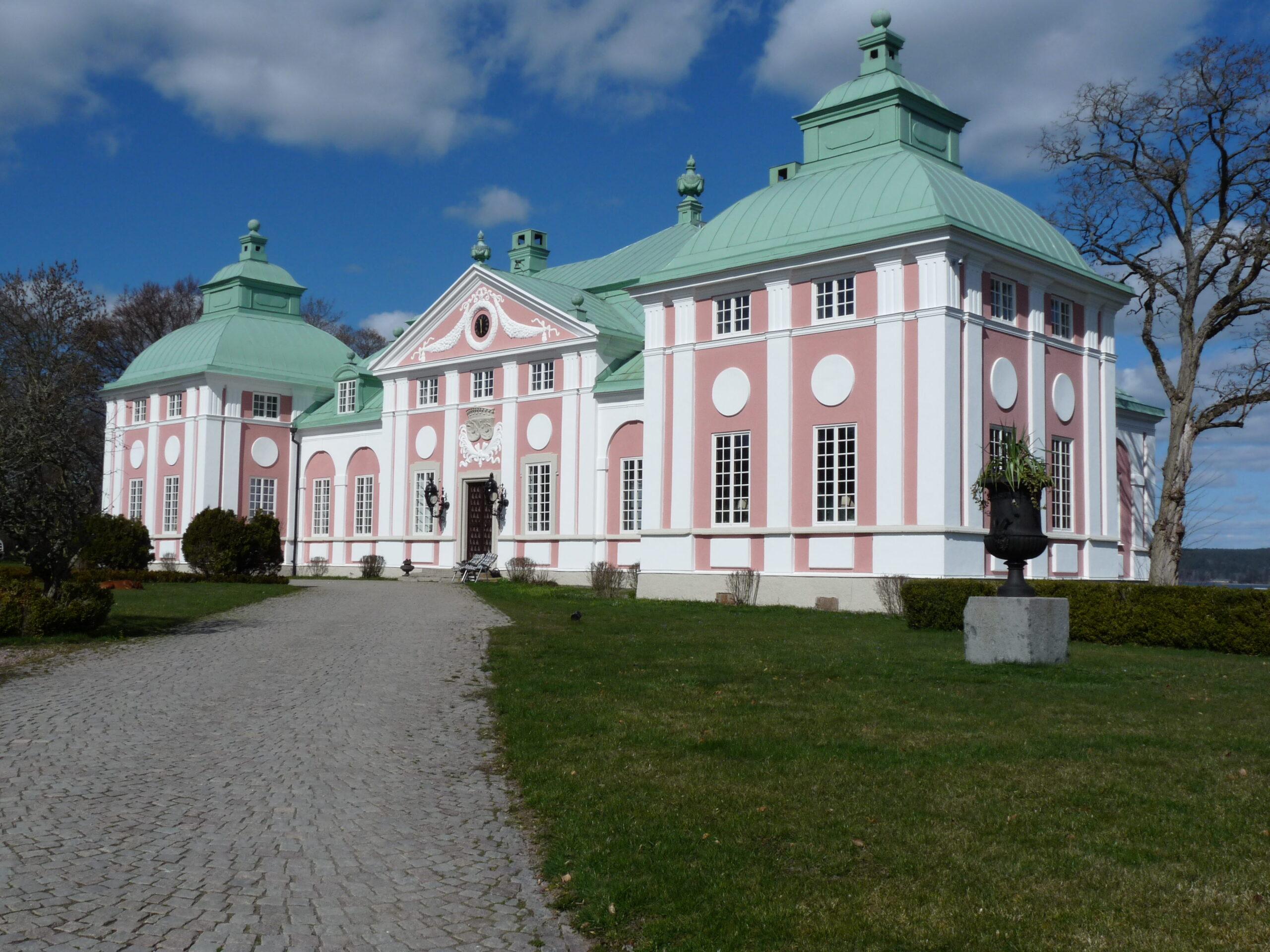 Ållonö Slott efter fasadrenovering