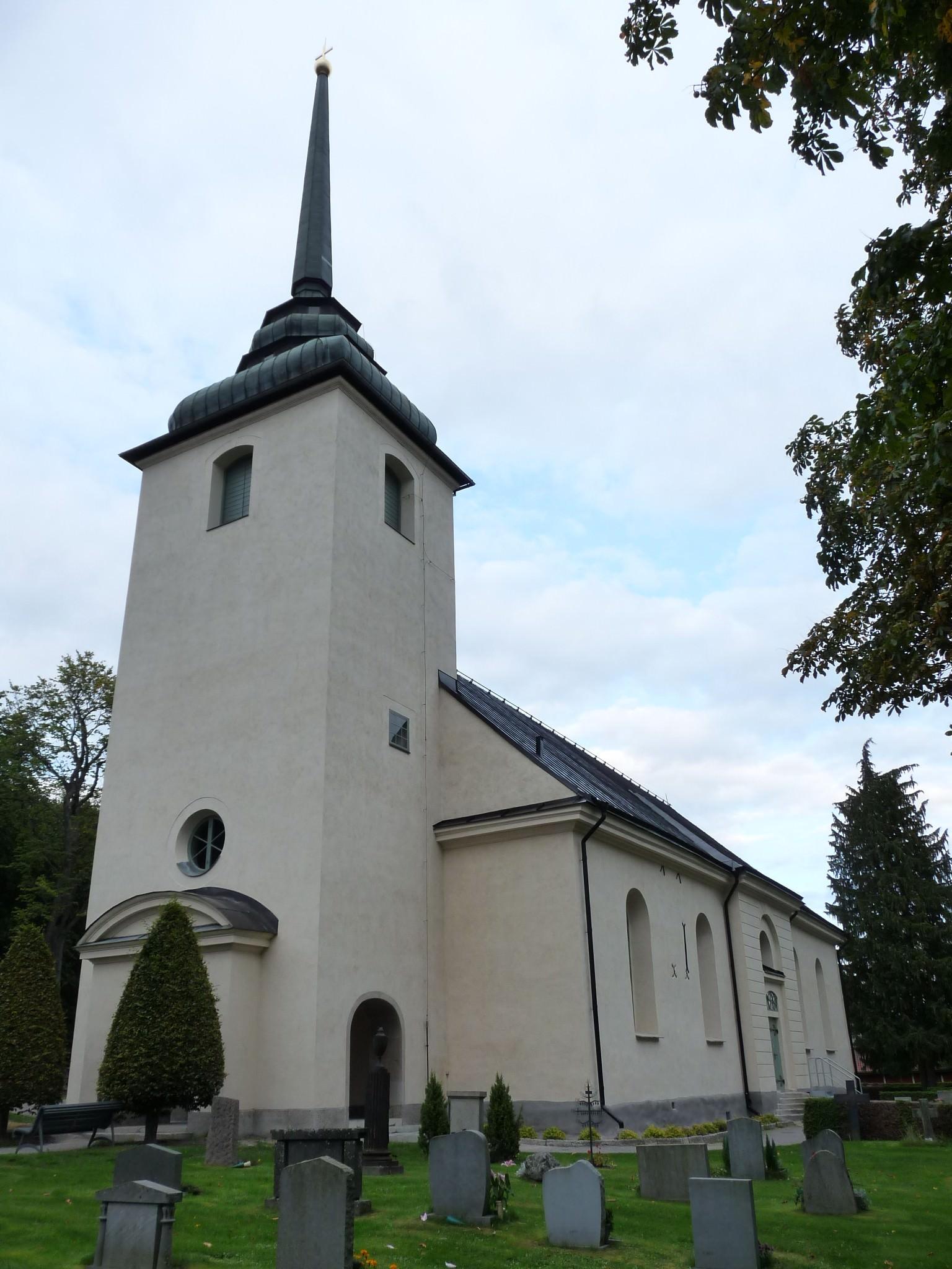 Putsade fasader Kvillinge kyrka